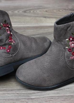 Ботинки с вышивкой primark 24 размер
