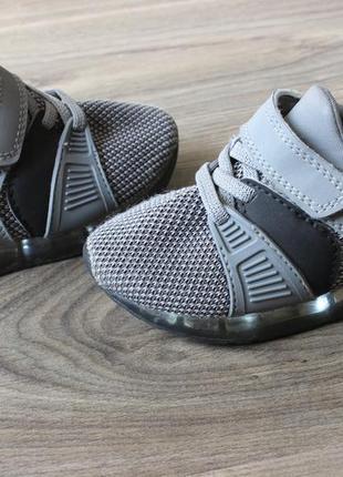 Моргающие кроссовки next 24 размер