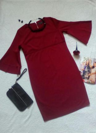 Нарядное платье винного цвета с рукавами-воланами
