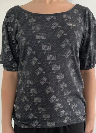 Футболка серая, футболка reebok, оригинальная футболка.