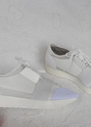 Белые кроссовки, кеды 39 размера