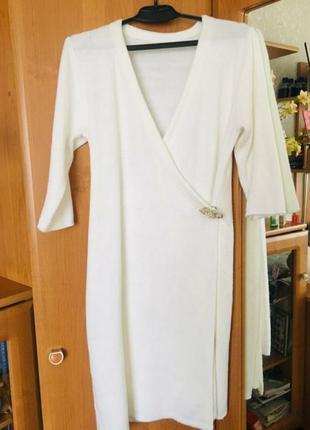 Платье на запах белое размер 48-50