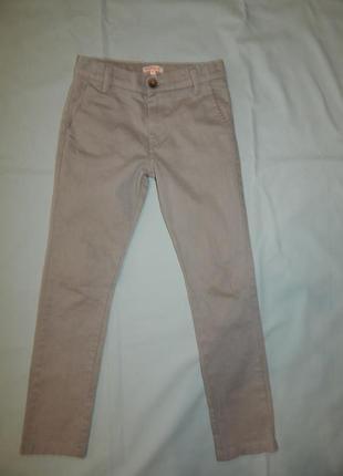 Джинсы брюки светлые модные  на мальчика skinny bluezoo 8 лет ...