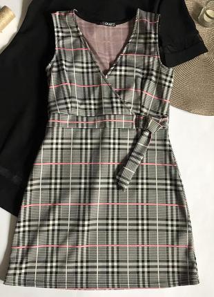 Платье в клетку quiz