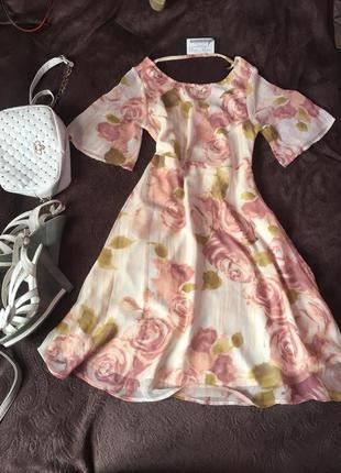 Воздушное и нежное платье мечта цветочный принт с розами новое