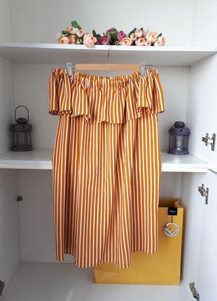 Летнее платье в полоску с открытыми плечами primark