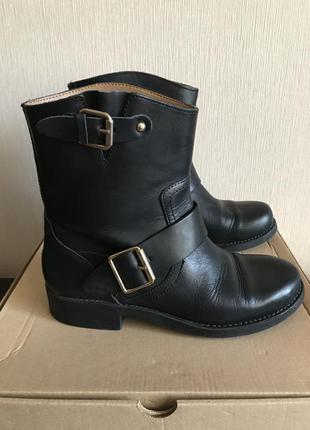 Чёрные кожаные ботинки mango
