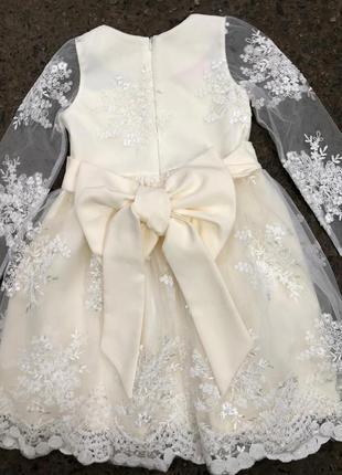 Невероятной красоты платье, кружевное104-122