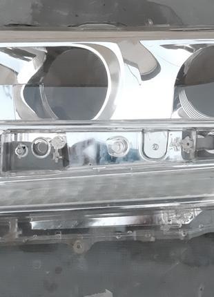 Toyota Land Cruiser 200 Стекло фары 81171-60K12