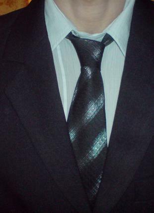 Костюм брючный yan daniloff с галстуком (L)
