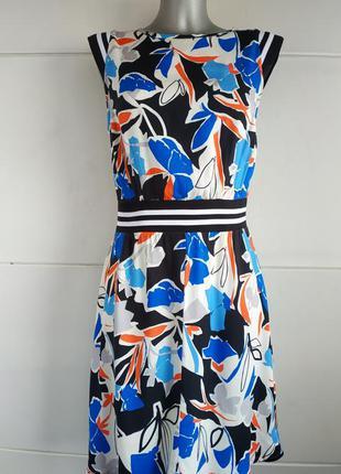 Стильное платье asos оригинального кроя с принтом красивых цветов