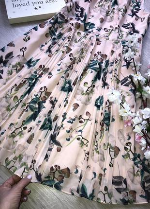 Очень красивое нарядное шифоновое платье, платье плиссе,