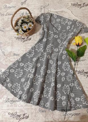 Платье скэйтер в цветочный принт.