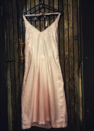 Чудесный нюдовый нежно розовый сарафан h&m с вышивкой с открыт...