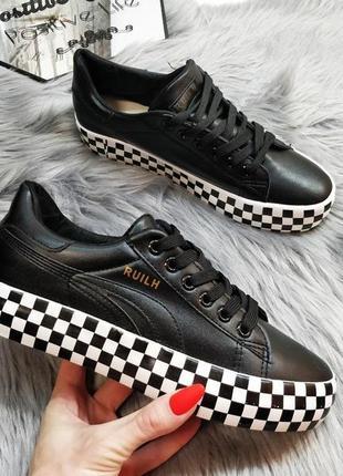 Распродажа! супер стильные кроссовки! хит 2019 года!
