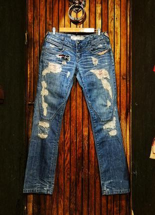 Крутые джинсы eight sin рваные с дырками вышивкой камнями поте...