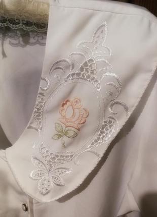 Блуза рубашка с вышивкой прошвой кружевом цветы