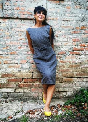 Элегантное платье в узор миди с бантом в ретро стиле