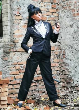Пиджак h&m с заклепками атласной отделкой жакет блейзер