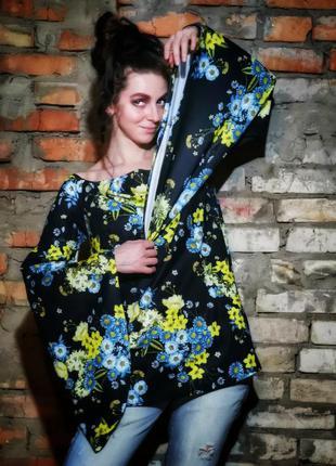 Блуза рукав расклешенный колокол в принт цветы воротник лодочк...