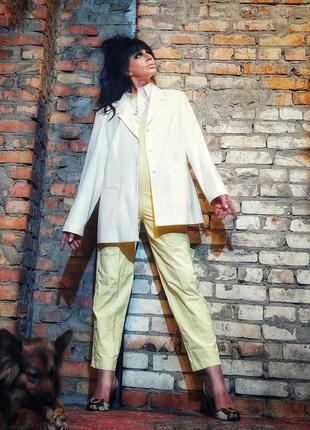 Пиджак молочный кремовый жакет d'amart батал большого размера