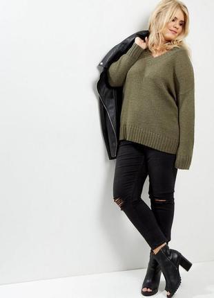 Теплый оверсайз свитер с v вырезом new look curve