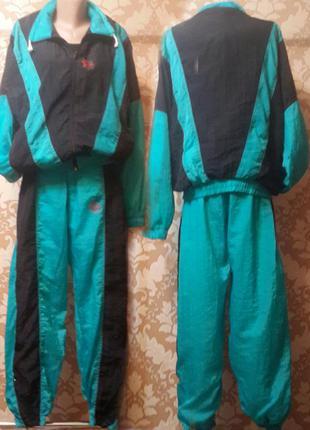 Спортивный костюм reebok . размер m - l