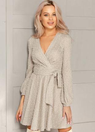 Теплое платье в горошек