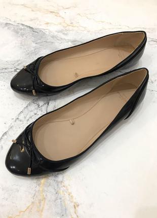 Zara лаковые чёрный балетки с бантиком