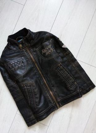 Стильная куртка косуха байкерская
