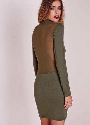 Стильное вискозное платье хаки с полупрозрачной спиной