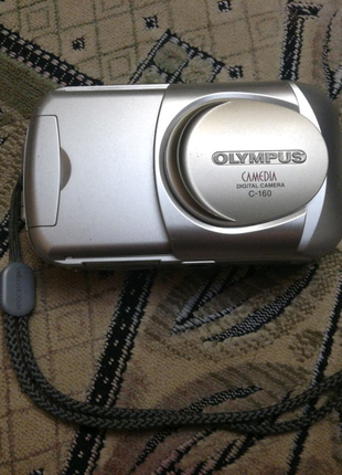 Цифровой фотоапарат Olympus