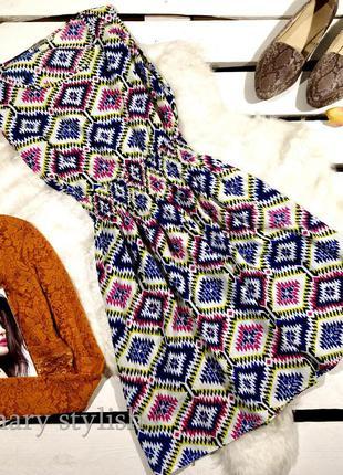 Яркое легкое шифоновое платье