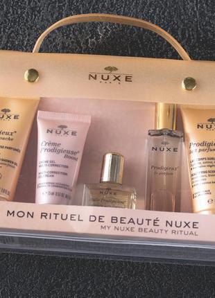 Набор для путешествий nuxe