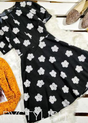 Платье чёрное с белыми цветами
