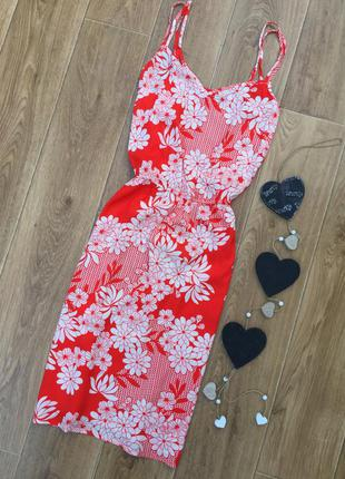 Красное с узором платье вискоза f-f