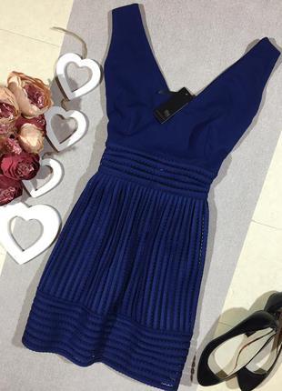 Новое!!! шикарное платье колокол.