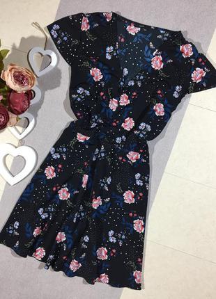 Красивое платье в цветочный принт.george