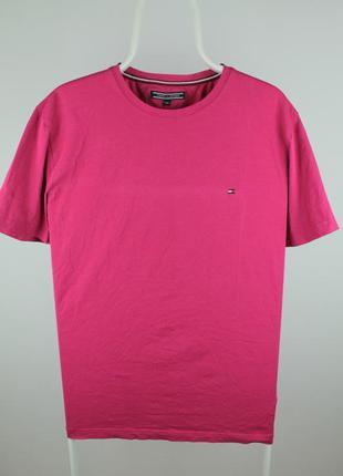 Оригинальная ,яркая , стильная футболка от tommy hilfiger