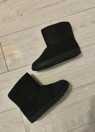 Угги, черные угги, зимняя обувь.