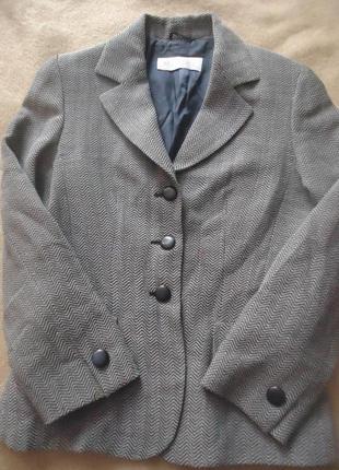 Фирменный шерстяной пиджак
