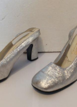 Туфли на каблуке, кожа