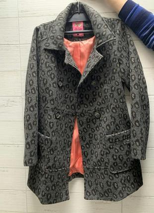 Пальто ribbon с звериным рисунком и красивой подкладкой