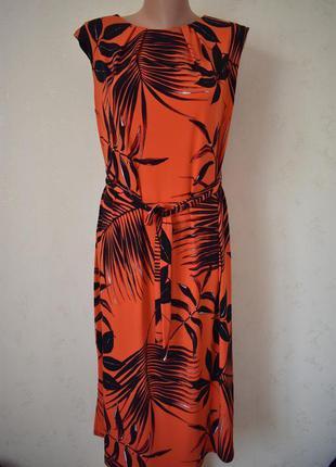 Красивое платье с принто m&co