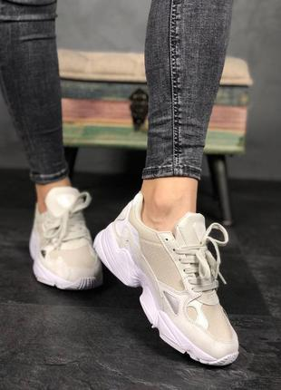 Крутые кроссовки  adidas falcon full white