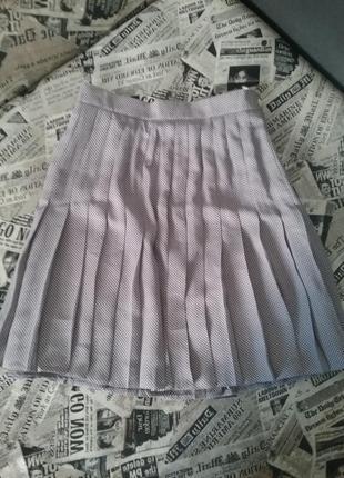 Модная плиссированная юбка