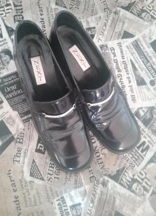 Мегастильные лаковые туфли темно-фиолетового цвета next