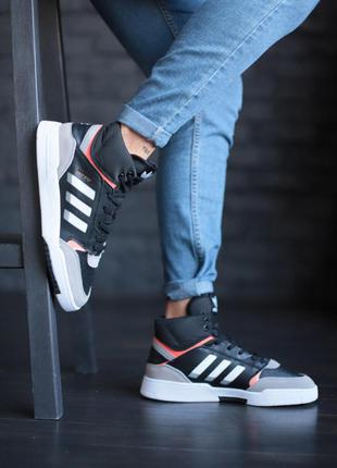 Adidas стильные кроссовки
