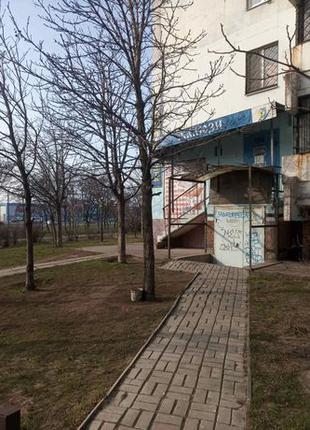Запорожская,2в нежилое помещение под склад, магазин.