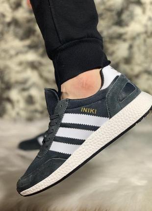 Adidas iniki  стильные кроссовки